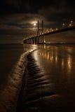 Мост на супер восходе луны Стоковое Фото