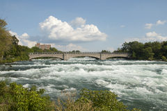 Мост Ниагарского Водопада стоковые фотографии rf