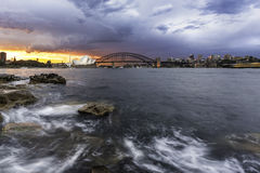 Мост оперного театра и гавани в Сиднее Австралии Стоковые Фотографии RF
