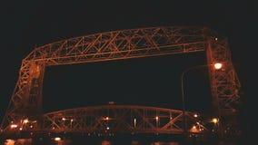 Мост подъема ночи стоковая фотография