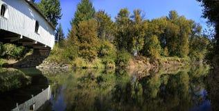 мост покрыл излишек заводи crabtree hoffman Стоковые Фотографии RF
