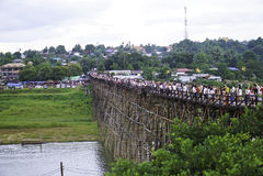 мост понедельник деревянный Стоковые Фотографии RF