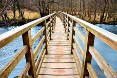 Мост поперек Стоковые Изображения