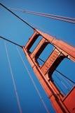 мост привязывает строб золотистый Стоковая Фотография