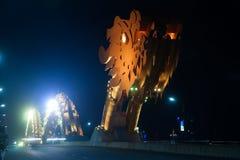 Мост дракона на ноче в Da Nang, Вьетнаме Стоковое Фото