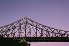 Мост рассказа на ноче Стоковые Фотографии RF