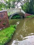 Мост руки Newbold на канале Оксфорда в Уорикшире Англии Стоковое Фото