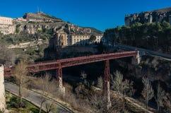 Мост Сан Pablo и Parador de Cuenca Монастырь St Paul внутри стоковая фотография rf