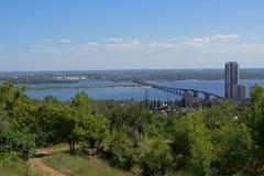 Мост Саратов Engels над Волга Стоковые Изображения RF