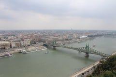Мост свободы в Будапеште (Szabadsag спрятало) Стоковое фото RF
