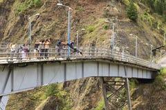 Мост скача в Banos, эквадор Стоковая Фотография