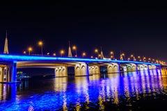 Мост скрещивания залива Biseness, Дубай, ОАЭ Стоковое фото RF