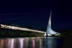 Мост солнечных часов в заливе черепахи - Redding Калифорнии стоковые изображения