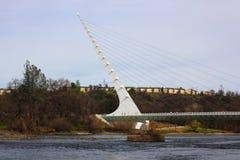 Мост солнечных часов в Redding Калифорнии Стоковая Фотография RF