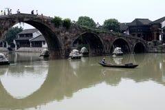 Мост старого моста городка Tangxi широкий экономический и старая улица в 100 стоковая фотография rf