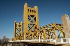 Мост старое Сакраменто башни Стоковые Фото