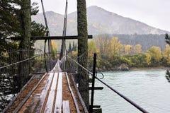 мост старый вертикаль реки панорамы горы 3 изображений hdr Ландшафт осени Стоковые Изображения