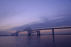 Мост строба токио на сумраке Стоковые Фото