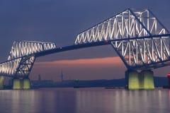 Мост строба токио на сумраке Стоковое Изображение