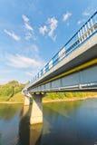 Мост с взглядом реки Стоковые Фото