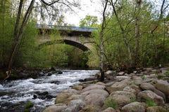 Мост с полукруглым сводом стоковое фото rf