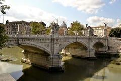 Мост с статуями Bernini, Рим Sant Angelo, Италия Стоковые Изображения RF