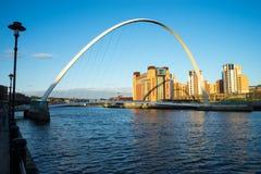 Мост тысячелетия Gateshead Стоковые Фотографии RF
