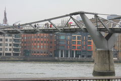 Мост тысячелетия в Лондоне Стоковая Фотография