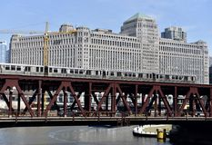 Мост улицы озера стоковая фотография rf