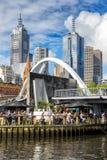 Мост ходока Evan в Мельбурне стоковое фото rf