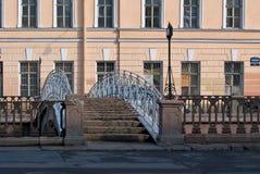 Мост через канал. Стоковое Изображение