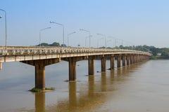 Мост через реку стоковое фото rf