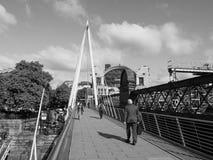 Мост юбилея в Лондоне черно-белом Стоковые Изображения RF