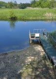 Мост для плавать и удить на тихом реке Стоковая Фотография RF