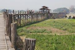 Мост Amarapura u Bein, Мьянма Стоковые Изображения RF