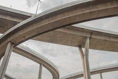 Мост Bhumibol или мост промышленных колец конкретный мост шоссе и пересекают Chao Реку Phraya, Таиланд Стоковые Фотографии RF