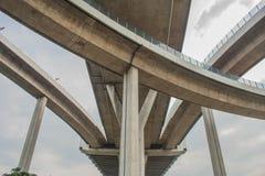 Мост Bhumibol или мост промышленных колец конкретный мост шоссе и пересекают Chao Реку Phraya, Таиланд Стоковые Изображения