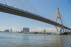 Мост Bhumibol или мост промышленных колец Стоковые Фотографии RF