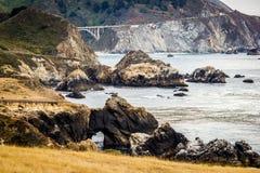 Мост Bixby, дорога n океана Одно, Калифорния стоковая фотография