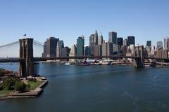 мост brooklyn понижает manhattan стоковое изображение rf