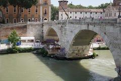 Мост Cestius варолиева моста в Риме, Италии стоковое фото rf