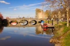 Мост Crom--шиканья Athy Kildare Ирландия стоковые фотографии rf