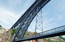 Мост Dom Луис в Порту (Португалия) Стоковое Изображение RF