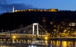 Мост Elisabeth Будапешта на сумраке Стоковые Фотографии RF