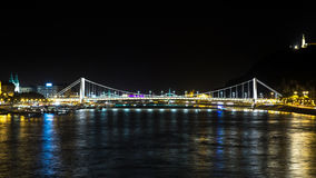 Мост Elisabeth на ноче Будапеште Стоковое Изображение RF