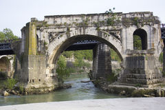 Мост Emilio в районе Trastevere Рима, Лациа, Италии Стоковые Изображения RF