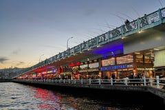 Мост Galata на ноче Стоковое Фото
