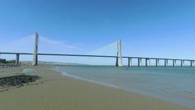 Мост Gama Vasco da панорамного взгляда видеоматериал