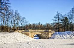 Мост Karpin в парке дворца дворца Gatchina Стоковая Фотография