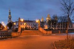 Мост Krasnogvardeyskiy и собор St Nicholas военноморской на ноче, HDR стоковая фотография